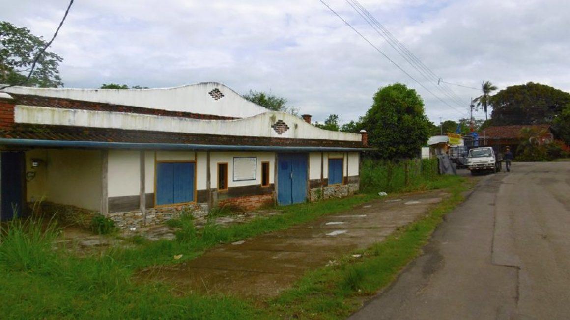 Pedasi: Wohn-, Geschäfts- und Lagerhaus mit 1.500 m² Grundstück in Panama