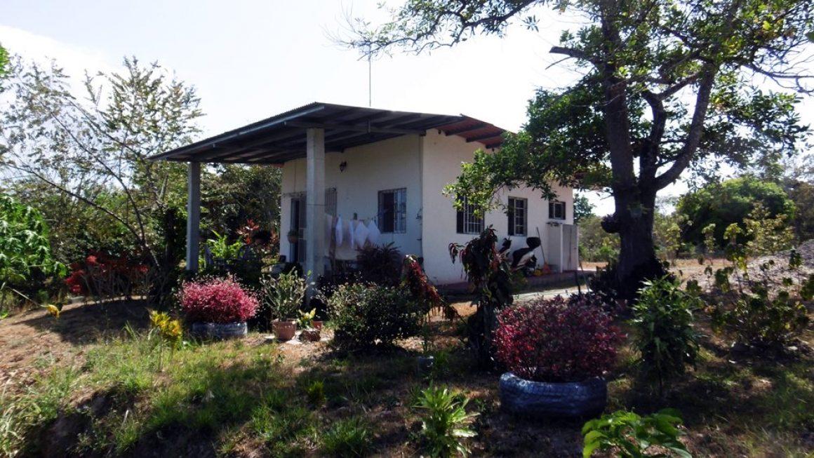 Hübsches Häuschen mit 1000 m² Grundstück und Meerblick